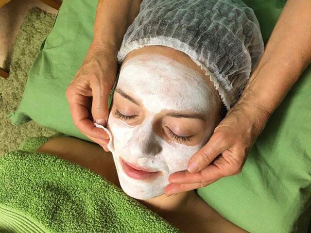 2018 massage ansiktsbehandling